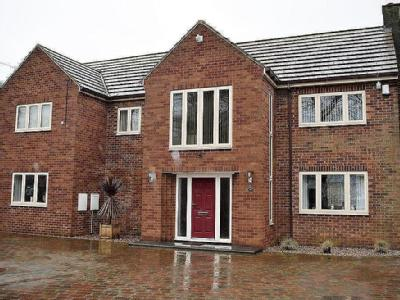 Wrawby Road, Brigg - Detached, Garden