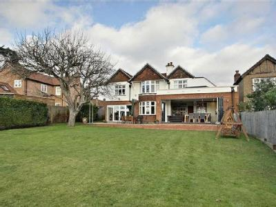 Kings Langley, Hertfordshire - Garden