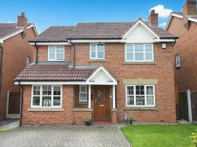 Palesides Avenue, Ossett - Detached
