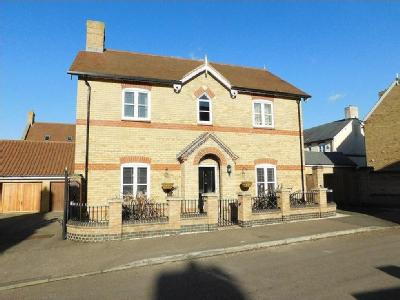 Earnshaw Drive, Fairfield, Hitchin, Herts SG5