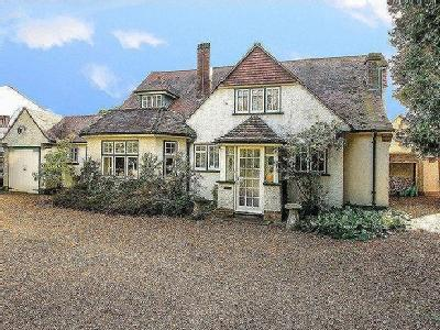 House for sale, Tring - Detached