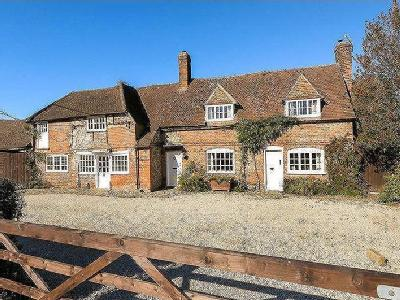 House for sale, Speen - Listed