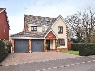 Oaks Mead, Verwood, Dorset, BH31