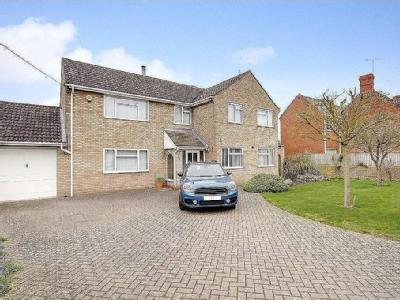 Lechlade Road, Highworth, Wiltshire, SN6