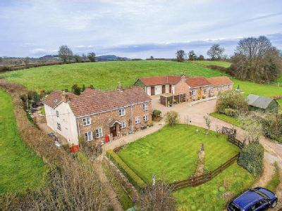 Four Bedroom Detached House With Cottage And Land
