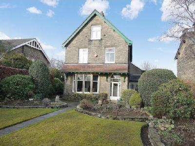 Woodhouse Lane  Brighouse - Detached
