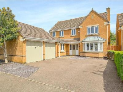 Betony Way, Bicester - Detached