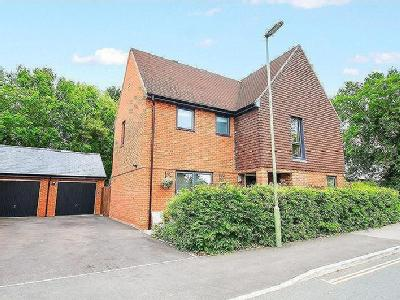 Brook Close, Swanmore - Detached