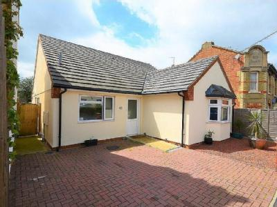 Clare Street, Raunds - Detached