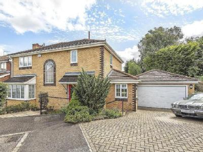 Leigh Hunt Drive, Southgate - Garden