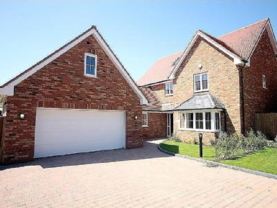 Grays Close, Clifton, SG17 - Detached