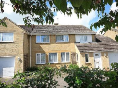 Stonefield Drive, Highworth SN6