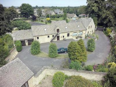 House for sale, Kempsford - Reception