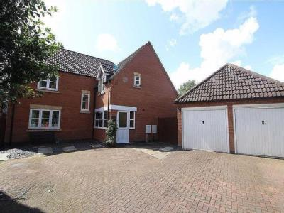 Acre Close, DAVENTRY - Double Bedroom