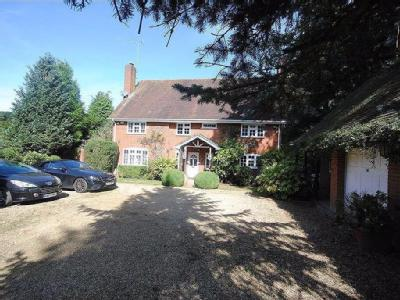 Pinfold Pond, Woburn - Detached