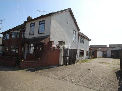Forest Road, Romford - Detached