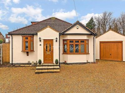House for sale, Woodford - House