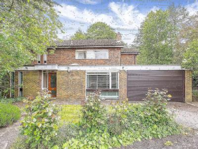 Dearne Close, Stanmore, Middlesex HA7