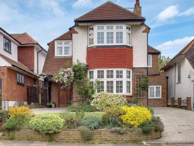 Viga Road, Grange Park N21 - Detached