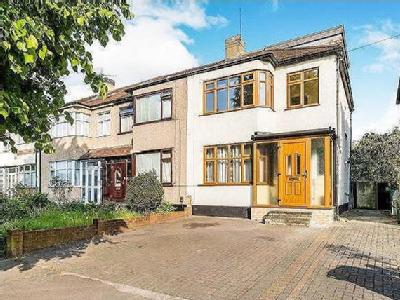 9a77a1bbeb1 Chigwell Road IG8, Woodford Green property. Find properties for sale ...