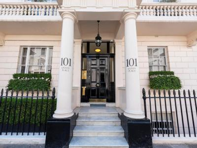 Eaton Place, London SW1W - Penthouse