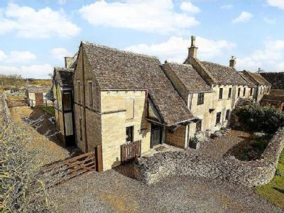 Woodview, 1 Nags Head Lane, Minchinhampton,