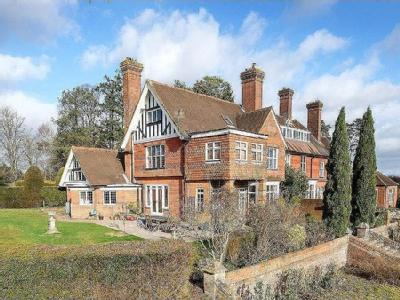 Prestwick Lane, Chiddingfold, Godalming, Surrey, GU8
