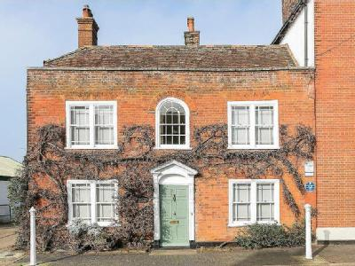 Town Hill, West Malling - Listed