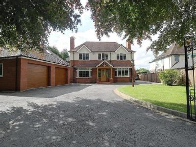 House for sale, Crewe Road - Modern