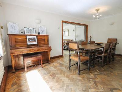 House for sale, Luxfords Lane - Gym