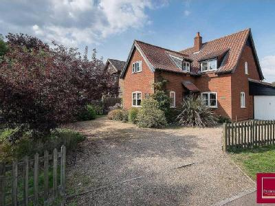 4 Bedroom Detached House - Detached