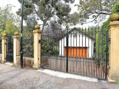 House for sale, Kent Road - Reception