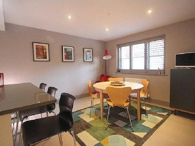 House for sale, Hound Road - Detached