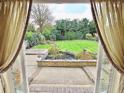 House for sale, Ridings Avenue - Gym
