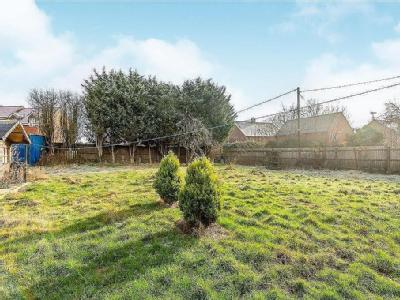 House for sale, Moreton Road - Garden