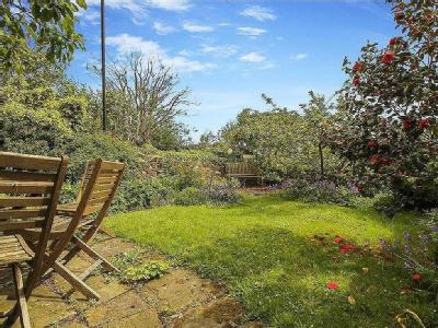 House for sale, Front Street - Garden