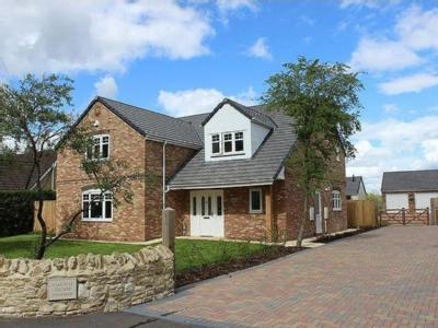 House for sale, Kings Lane - Detached