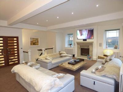 House for sale, Diggle Mill - Balcony
