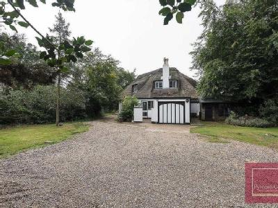 4 Bedroom Cottage - En Suite, Garden