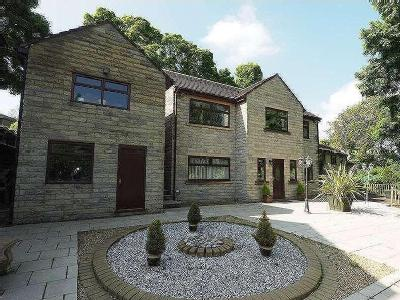 House for sale, Buxton Road - Garden