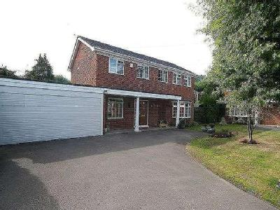 Holbrook Close, Farnham, GU9 - Patio