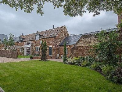 The Old Barn, Orchard Court, Finedon