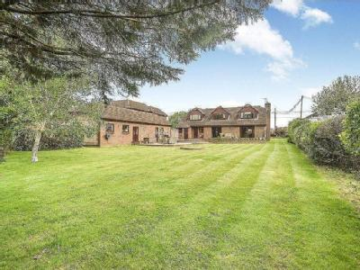 Property for sale, Moorgreen Road