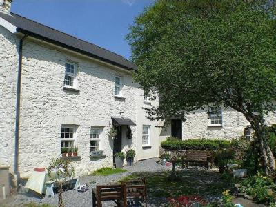 Talley, Llandeilo - Double Bedroom
