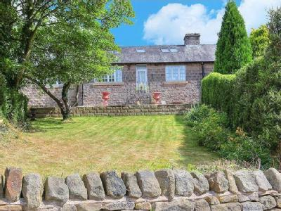 1 Taggs Knoll, Bamford, Hope Valley