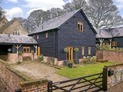 St. Mary's Court, Church End, Nr Kensworth, Bedfordshire, LU6