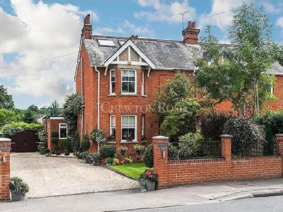 Fernbank Road, Ascot - Semi-Detached