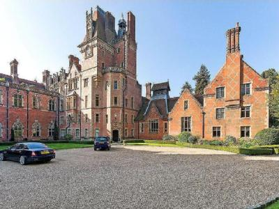 Wyfold Court, Lime Avenue, Henley-On-Thames, Oxfordshire, RG9
