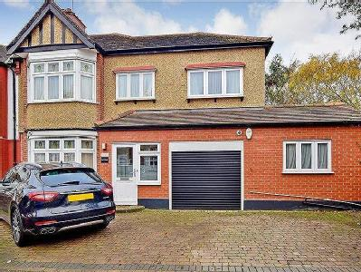Charnwood Drive, South Woodford