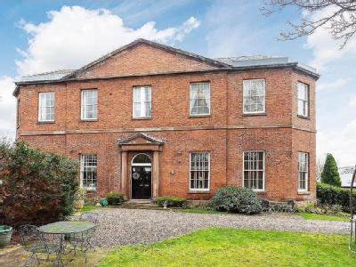 House for sale, Millbank, Lymm